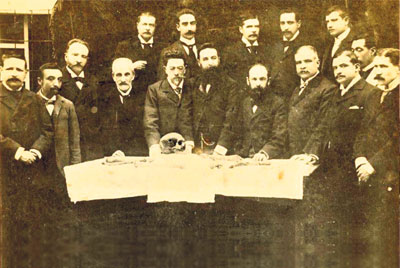 Miembros de la Facultad de Medicina de la U. Central