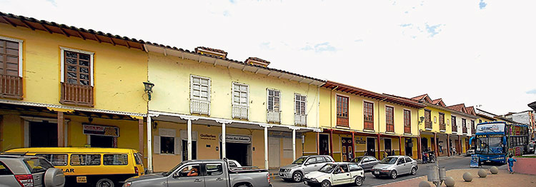 Calle Bernardo Valdivieso