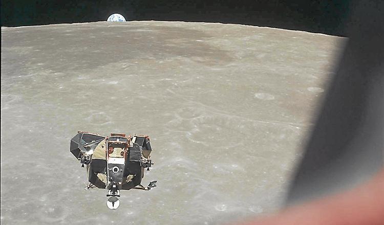 El astronauta Michael Collins